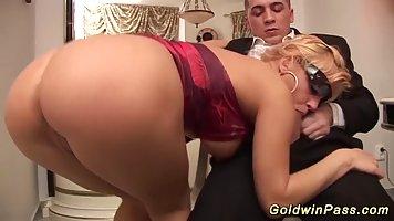 Она знает как правильно сосать порно — img 14